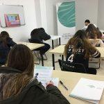 Jóvenes aspirantes a la Beca Fundación López Mariscal realizan la prueba escrita